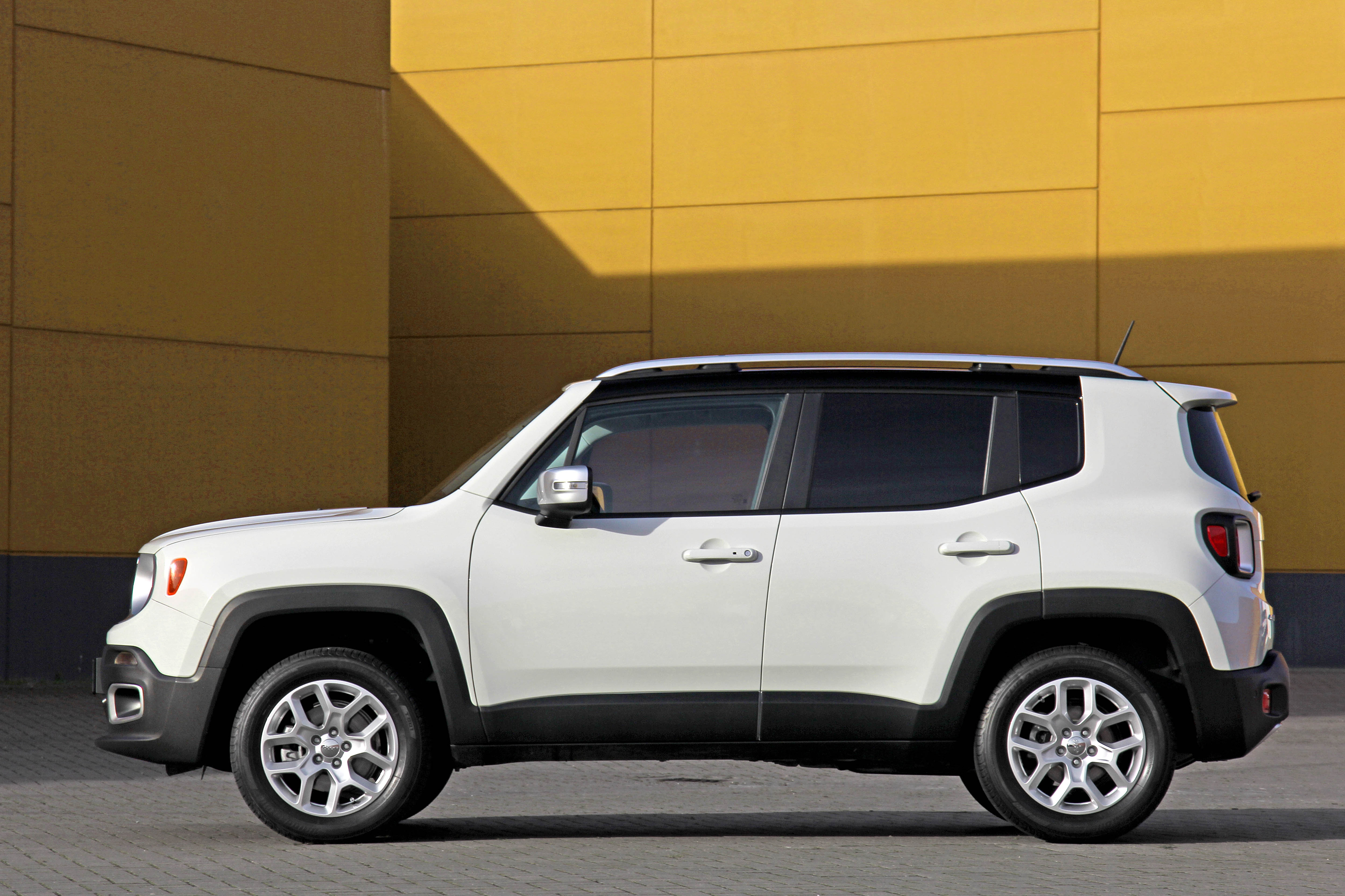 Jeep Renegade Longitude Business 1.6 Mjet Used 2016 Net Price 14.250 €
