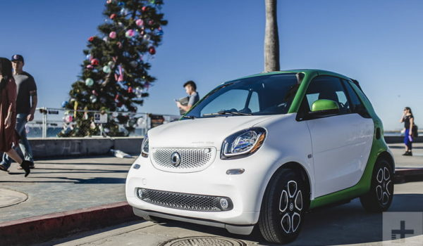 2018-smart-fortwo-cabrio-electric-drive-first-drive-15120-800x533-c